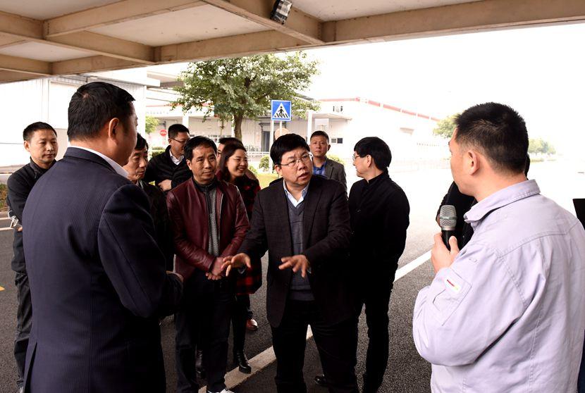 石诗龙率队开展科技创新工作评议调研